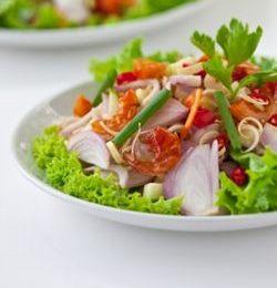 piatto di verdure colorate